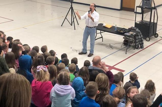 Best-Selling Author Jonathon Rand Visits KC Ling Elementary